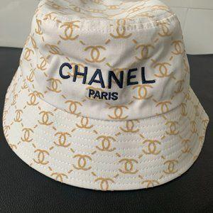 wonderful CC bucket hat